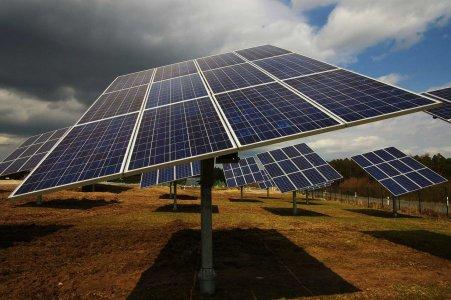 Immer der Sonne nach: Solarstrom aus Dettendorf